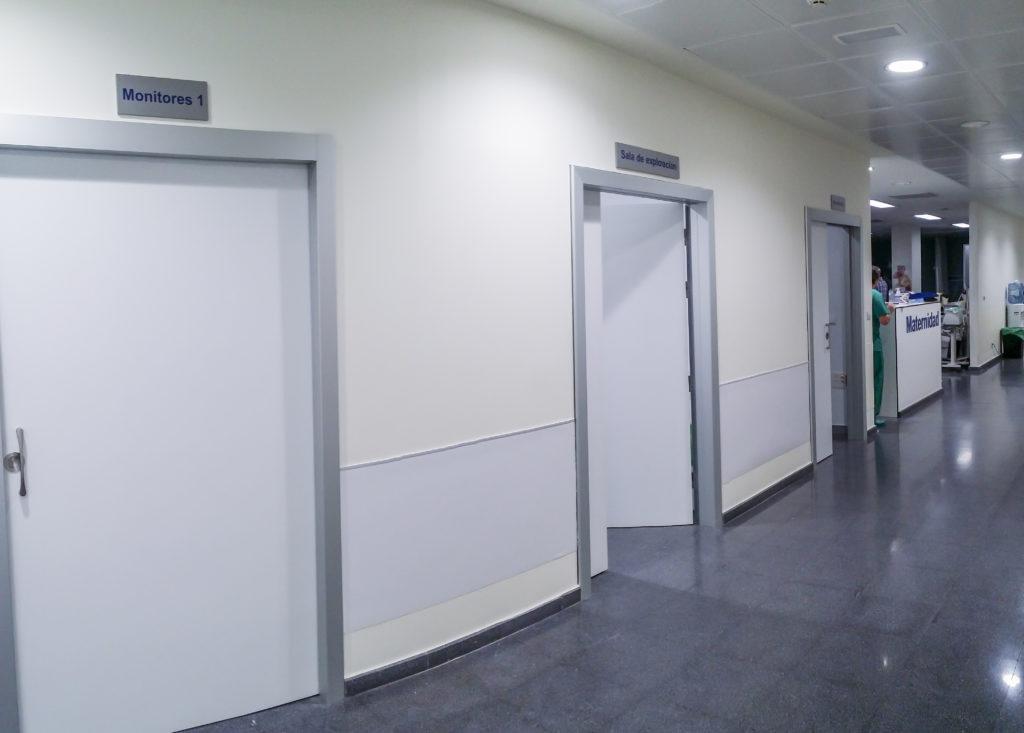 reformas viamed. Pasillo salas observacion monitorización interconectadas